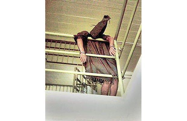 presidents 17 Hooden-iraq-prison_1404104i