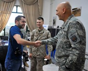 MICHAEL HASTINGS AND ODIERNO H 388275_248680775201375_268649908_n-300x245